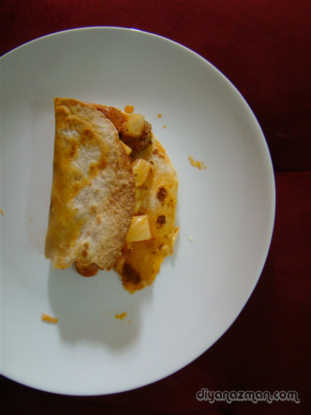 Pizza flavoured tortilla foldover
