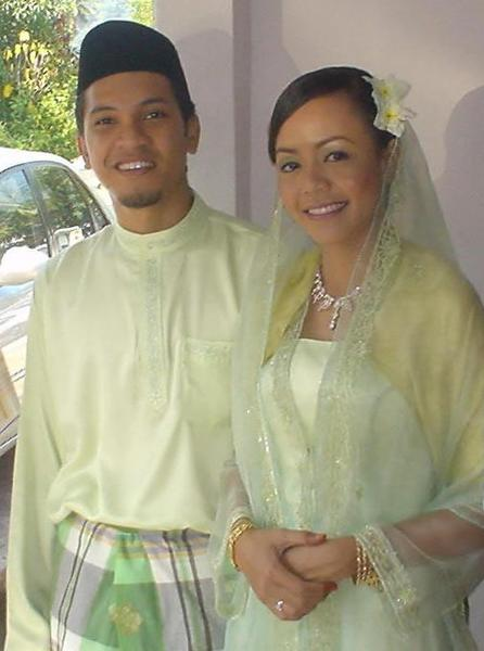 Malay bride and groom