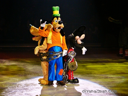 goofy at Disney on Ice
